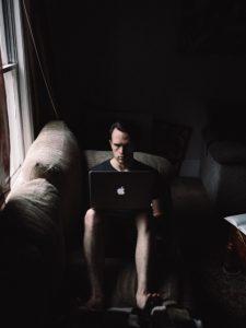 Mit einem Blog selbstständig online Geld verdienen: durch Schreiben Geld zu verdienen, reizt besonders die Intellektuellen unter uns. (#3)