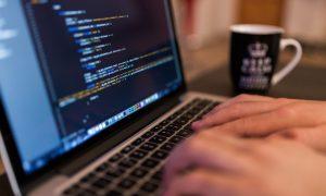 Für Informmatiker gibt es im Zeitalter der Digitalisierung viele Betätigungsfelder. IT generell, Softwareentwicklung, SEO, SEA... insofern bietet sich der Gedanke an die Selbständigkeit an. (#4)