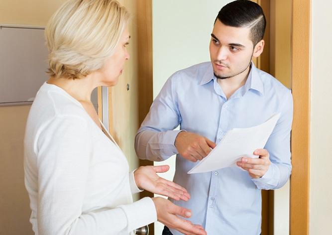 Für die Bank bedeutet Arbeitslosigkeit, dass der Kunde möglicherweise seine Raten nicht zahlen kann. (#01)