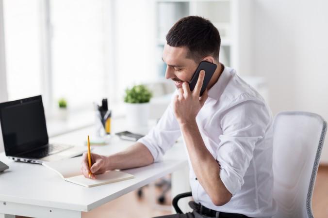 Schüchternheit ist fehl am Platz: such den direkten Kontakt mit dem Arbeitgeber. Perösnlich oder mit einem kurzen Anruf. (#3)