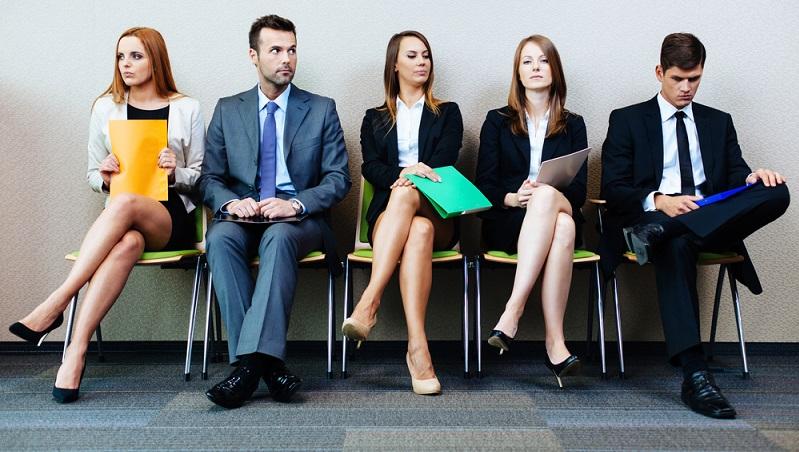 Die Suche nach Mitarbeitern mit der idealen Qualifikation beginnt mit der Durchsicht von Bewerbungen und Lebensläufen. Allerdings muss man bedenken, dass für die unterschiedlichen Aufgaben im Unternehmen spezifische Voraussetzungen erfüllt werden müssen. (#01)
