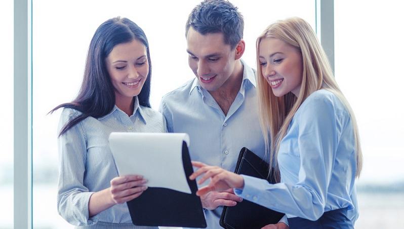 Die Funktionstüchtigkeit eines Verkaufsteams steht und fällt mit dem Zusammenhalt der Mitarbeiter. Dieser Faktor darf nicht vernachlässigt werden. (#02)