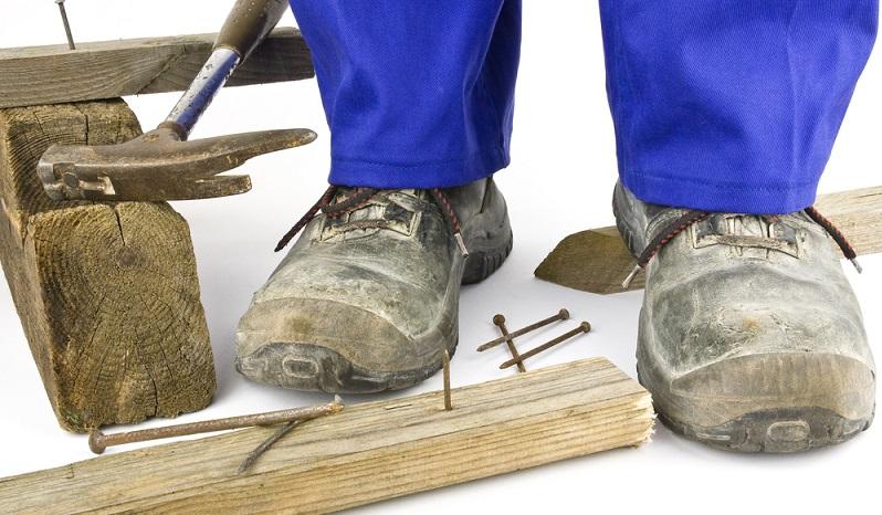 Ein wichtiger Teil der Dienstkleidung sind in einigen Berufen die Sicherheitsschuhe. (#01)