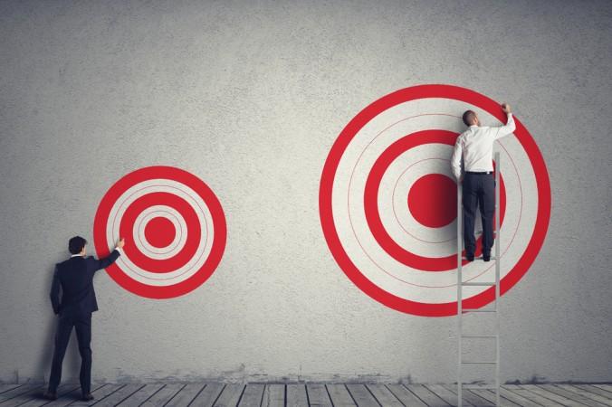 Als erste Schritte gilt es die unternehmerischen Ziele zu formulieren und Zeitpunkte festzulegen. Und ganz Wichtig: keine unnötige Eile - ein gutes Change Management braucht Zeit! (#3)