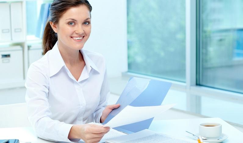 Eine Möglichkeit, den Titel des Steuerberaters zu erlangen, führt über das Studium. (#02)