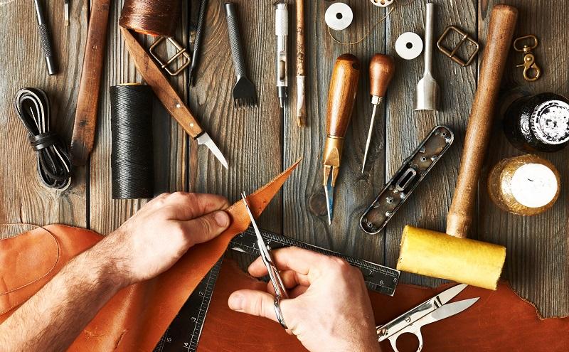 Die wichtigste Branche im Arbeitsmarkt Österreich ist das Handwerk und das Gewerbe. (#03)