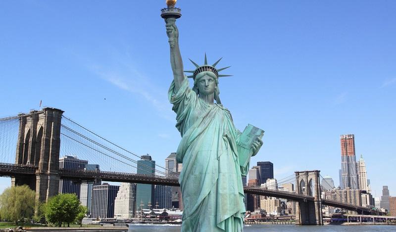 Deutsche Firmen in den USA. Mit der USA verbindet man grenzenlose Weiten, Freiheit und ein selbstbestimmtes Leben. (#01)