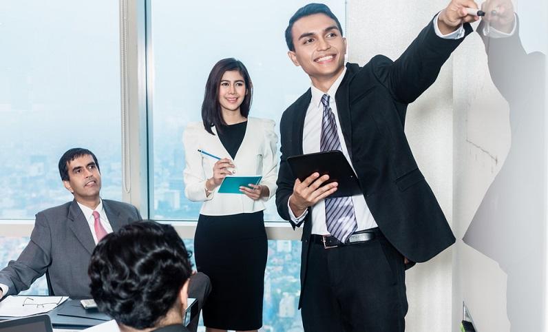 """Beim Elevator (""""Aufzugs"""") Pitch sind Geschwindigkeit und maximale Überzeugungskraft gefragt, denn die eigene Idee muss in ungefähr 30 Sekunden vorgestellt werden. (#01)Beim Elevator (""""Aufzugs"""") Pitch sind Geschwindigkeit und maximale Überzeugungskraft gefragt, denn die eigene Idee muss in ungefähr 30 Sekunden vorgestellt werden. (#01)"""