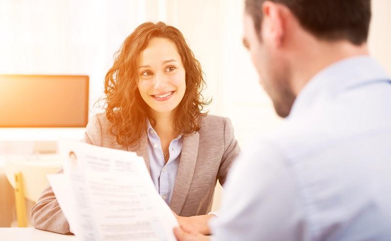 Idealerweise hat der Personalverantwortliche durch die ersten drei Stufen bereits selbst den Wunsch entwickelt, den Bewerber kennenzulernen. (#04)