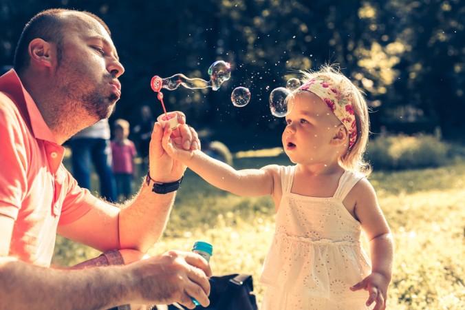 Die Höhe des Elterngeldes ist abhängig vom vorherigem Einkommen. (#3)