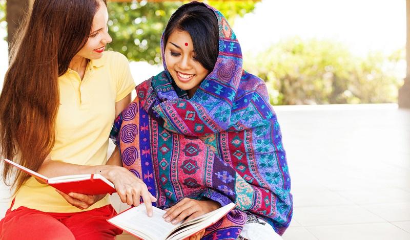 Nach der Ausbildung ins Ausland: Wer hierzulande nicht den ersehnten Arbeitsplatz bekommt, der muss sich um seinen Beruf keine Sorgen machen. (#04)