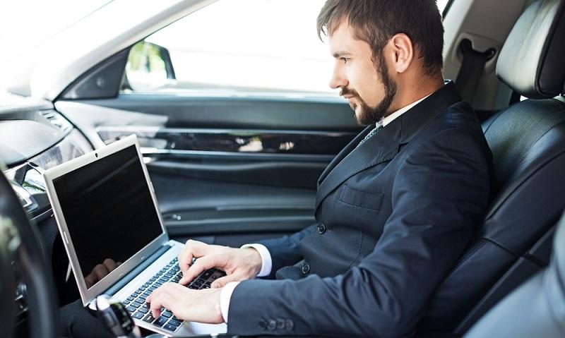 Die Langzeitmiete eines Firmenwagens bringt vor allem ein Höchstmaß an Flexibilität für das Unternehmen. (#01)