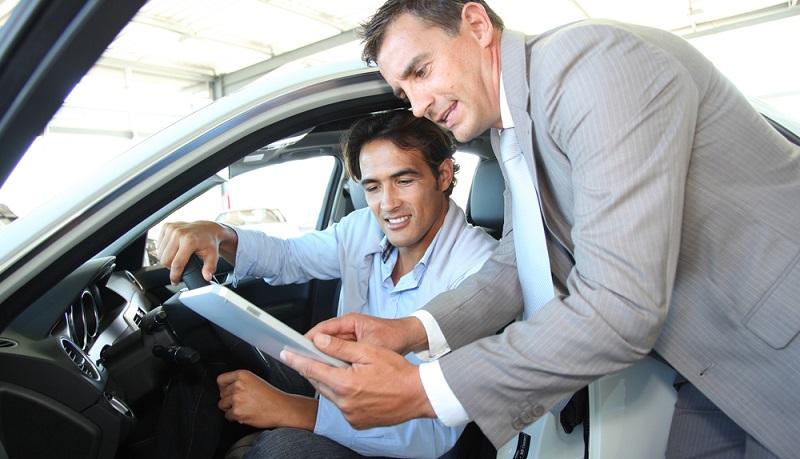 Leasingraten für das Dienstfahrzeug lassen sich Monat für Monat in voller Höhe absetzen, auch Betriebskosten und Sonderzahlungen sind steuerlich anrechenbar. (#02)