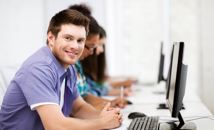 Ein Fernstudium ist nicht für jeden Studenten geeignet. Selbstdisziplin und Motivation sind zwei wichtige Stichworte. (#01)