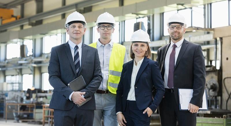 Wirtschaftsingenieure sind in der Lage verschiedene Aufgaben aus unterschiedlichen Unternehmensbereichen zu managen und zu leiten, weshalb sie oft eine Schnittstellenfunktion einnehmen. (#03)