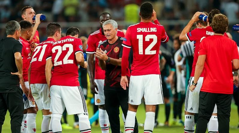 Fußballtrainer eines Top-Clubs oder einer Nationalmannschaft zu sein, zahlt sich aus. (#01)