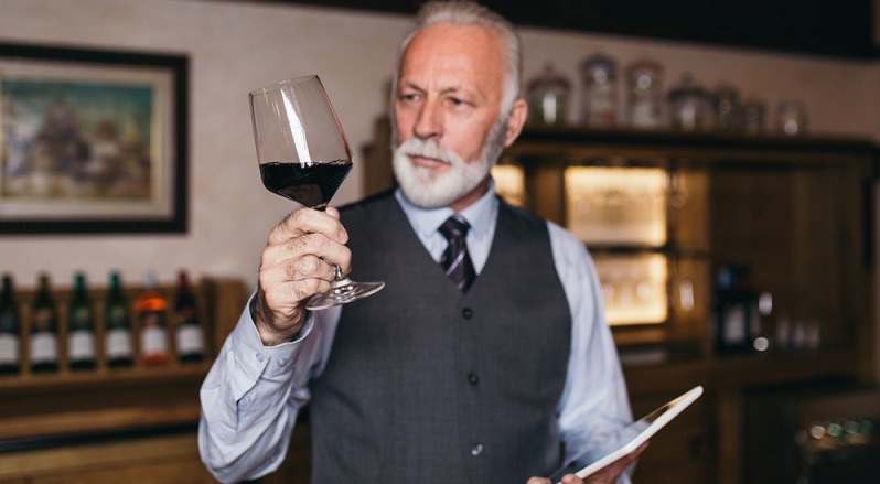 Für einen Weinkellner ist dies ein ziemlich guter Einstieg in die Welt der Weine. (#02)