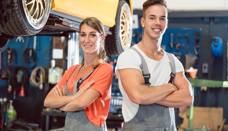 Männer und Frauen arbeiten längst auch in klassischen Männerberufen zusammen. Sind sie als Leiharbeiter beschäftigt, unterliegen sie dem BAP Tarif. (#1)