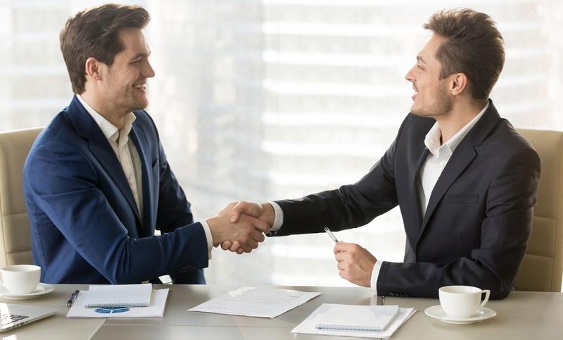 Heutzutage kann es schwierig sein, kompetente und fachkundige Mitarbeiter zu finden – Stichwort Fachkräftemangel. (#04)