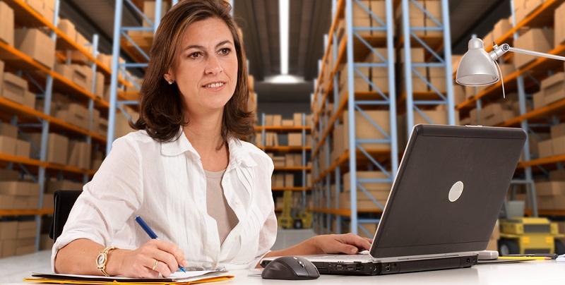 Mit einer Ausbildung für eine kaufmännische Tätigkeit stehen Arbeitnehmern dann viele Türen offen