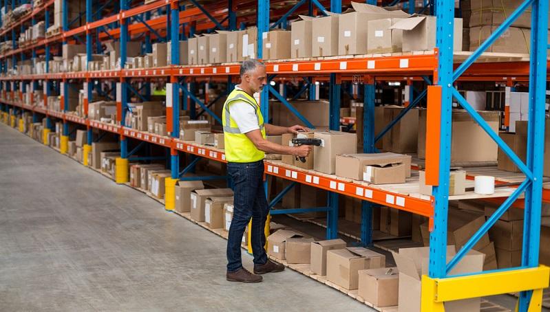 Im Zuge ihrer Suche nach dem passenden IT-System zur Verwaltung der Lagerlogistik oder noch anderen Bereichen im Handel, stoßen Unternehmen oft auch auf den Begriff ERP-System. (#02)
