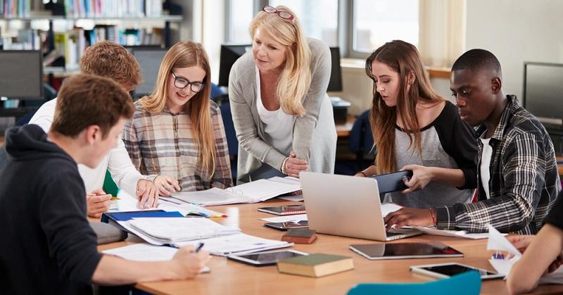 Nachteile der Berufsfachschule: Vollzeitschule ohne Ausbildungsvergütung