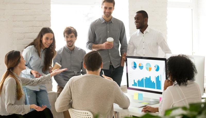 Regelmäßige Coachings, Seminare und die innovative Gestaltung des modernen Arbeitsumfeldes sind weitere Bestandteile einer stetigen Weiterentwicklung.