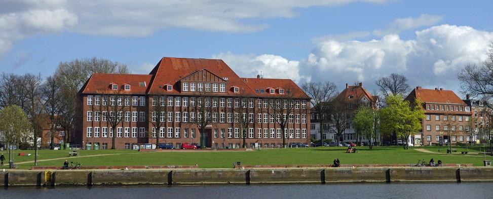 Ein MINT-Studium ist beispielsweise an der Technischen Hochschule Lübeck möglich. (#1)