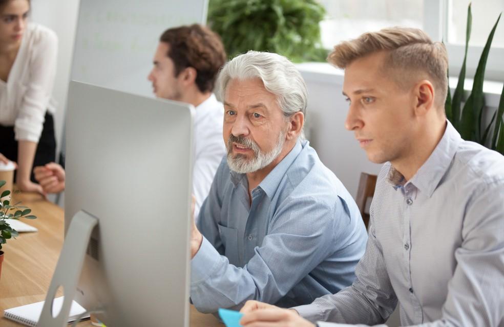 """Eine der möglichen Antworten auf den demographischen Wandel ist """"Job Sharing"""". Doch das Teilen eines Jobs zwischen den Angehörigen zweier Generationen setzt auch ein Umdenken der Beteiligten voraus. Ist das in unserer Gesellschaft leistbar? (#3)"""