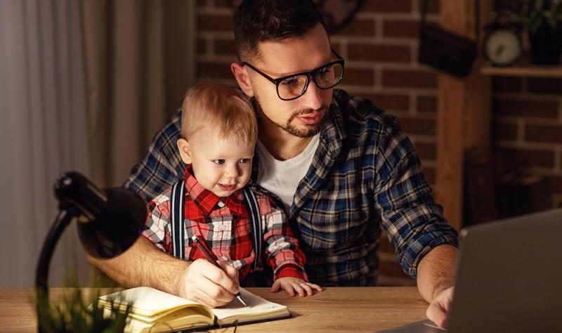 Besonders beliebt ist das Home Office. Bereits heute bietet beinahe ein Drittel der Unternehmen ihren Mitarbeitern die Möglichkeit, von zu Hause zu arbeiten.