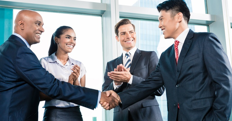 Als Wirtschaftsassistent im Bereich Fremdsprachen besteht Ihre wesentliche Aufgabe darin, die Geschäftsbeziehungen zu ausländischen Partnern zu pflegen.