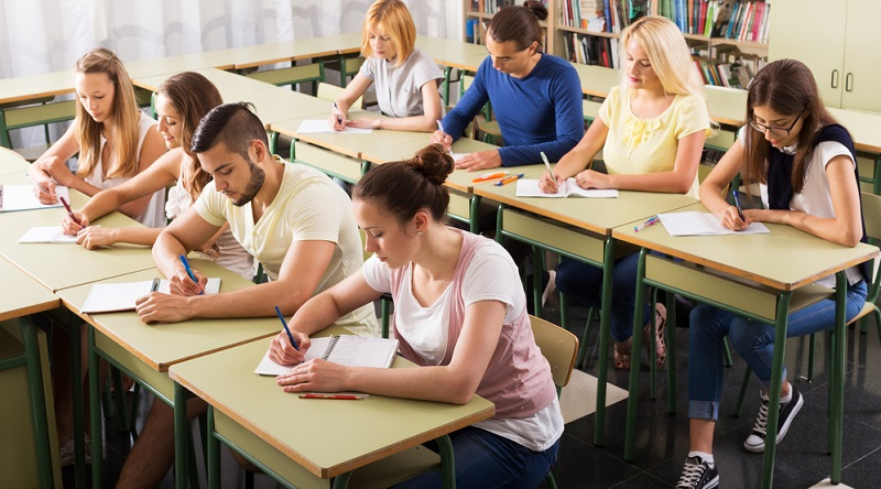 Sprachkurse sind meist in Kompetenzstufen geteilt und setzen bestimmte Schwerpunkte.