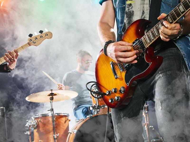 Berufe, bei denen man reisen muss: Tourneen durch die ganze Welt zu machen, ist wohl der Traum jedes Musikers. (#04)