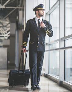 Berufe, bei denen man reisen muss: Pilot oder Flugbegleiter werden und damit das Hobby zum Beruf machen (#02)