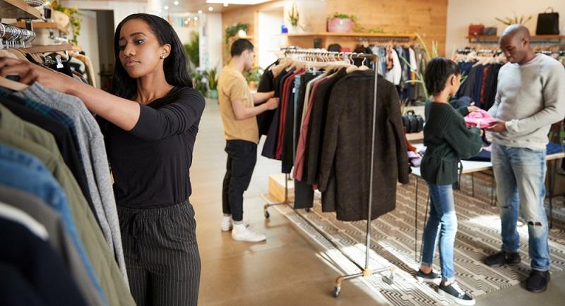 Filialleiterin-Stellvertreterin: Als rechte Hand des Filialeiters trägt man Verantwortung für Warenpräsentation, Artikelpflege und Aufbau des Konsumguts.