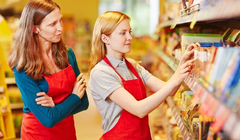 Der Beruf der Einzelhandelskauffrau zählt zu einer der beliebtesten Ausbildungsberufe.