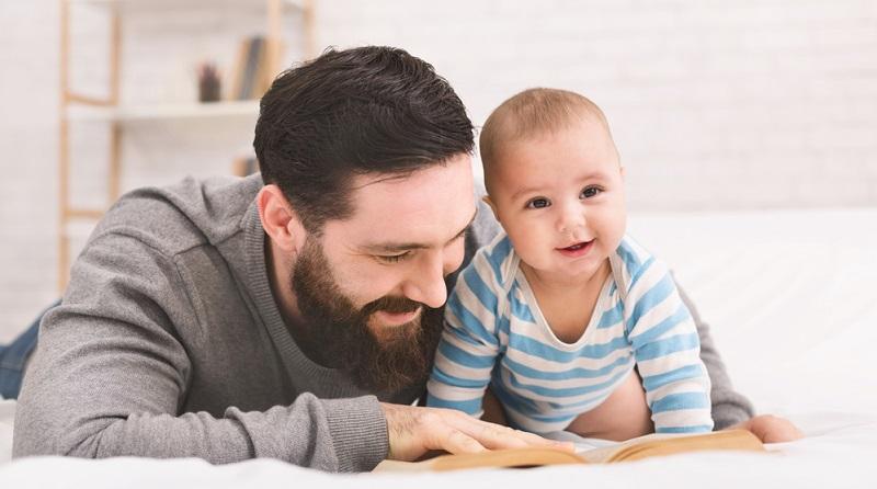 Geht ein Arbeitnehmer in die Elternzeit, werden keine Löhne und Gehälter in Frankreich gezahlt.