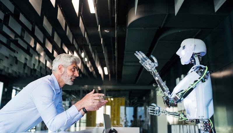 Wird von der Arbeit 4.0 gesprochen, sind damit die Arbeitsbedingungen und Veränderungen gemeint, die zur vierten industriellen Revolution gehören. ( Foto: Shutterstock-   Halfpoint )