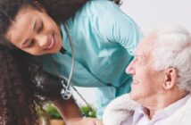 Generalistische Pflegeausbildung: Rahmenlehrplan, Prüdungsordnung & Gehalt: Das ist 2021 für Sie drin! ( Foto: Shutterstock- Photographee.eu)