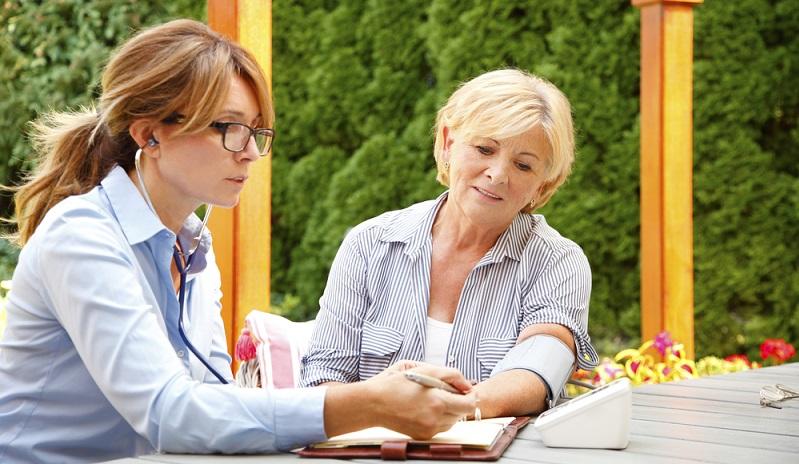 Es gibt soviele Bereiche in denen man im Gesundheitswesen arbeiten kann. ( Foto. Shutterstock-Shift Drive )